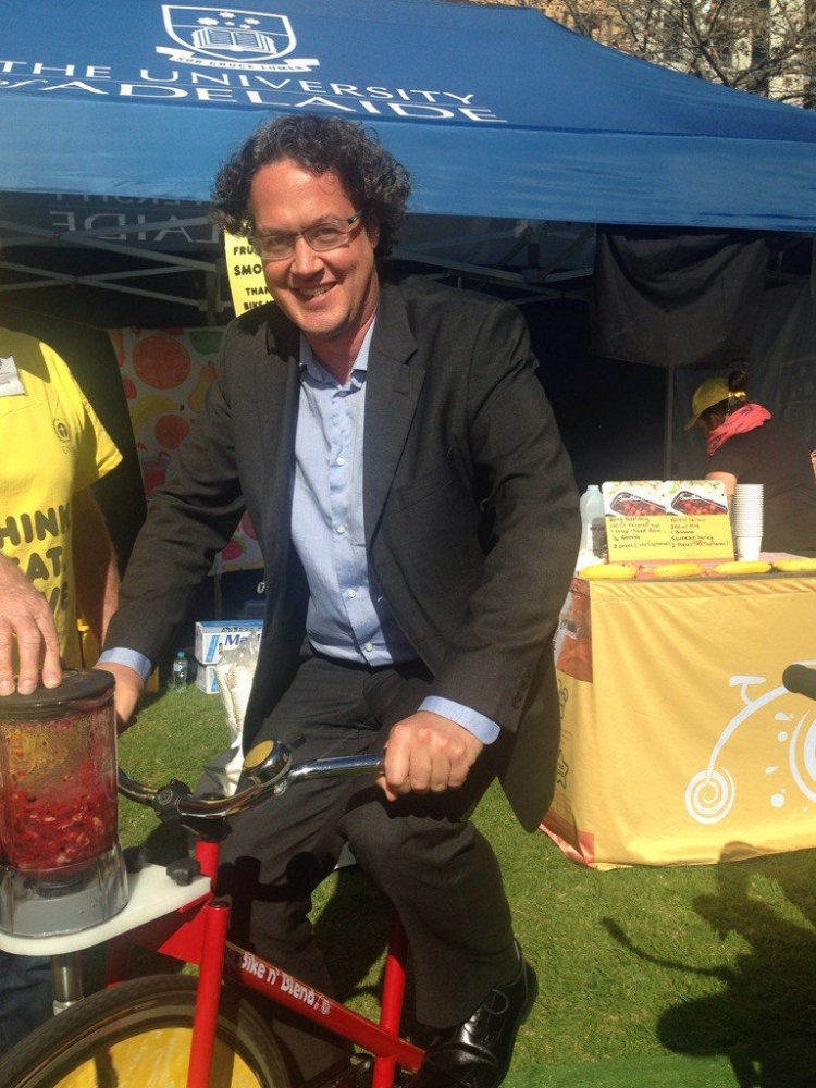 The bike smoothy - Making a delicious smoothy from fruit that would otherwise have been thrown out.