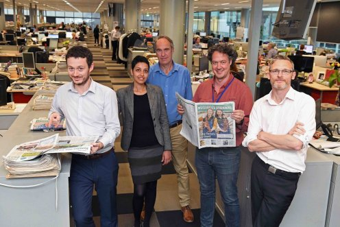 Andy in The Adelaide Advertiser newsroom during his stint as Scientist in Residence, October 2017. L-R Luke Griffiths, Valerina Changarathil, Richard Evans, Andy Lowe, Cameron England